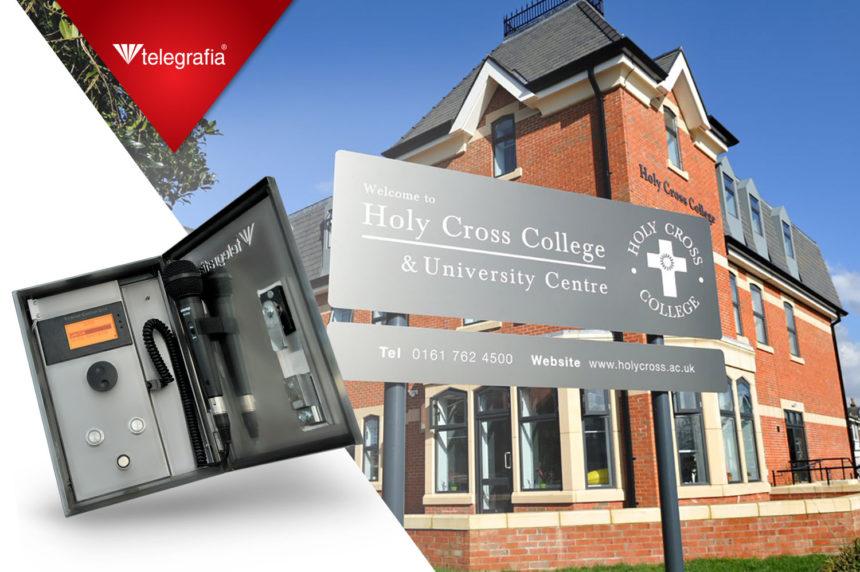 Сирена Bono для Католического Колледжа Шестой Формы Святого Креста и Университетского Центра