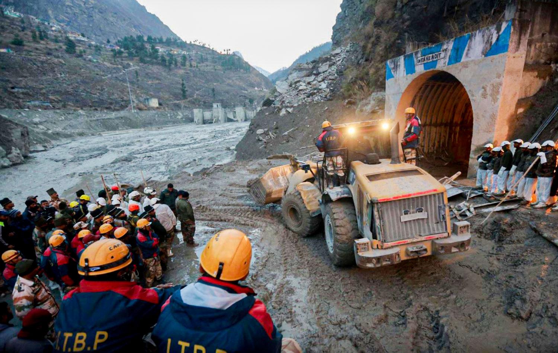Таяние ледника в Индии привело к прорыву плотины
