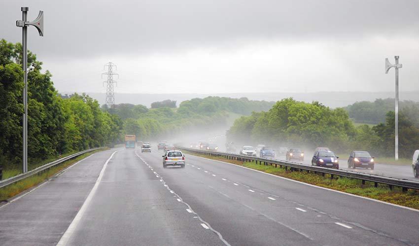 Using Electronic Sirens on Motorways